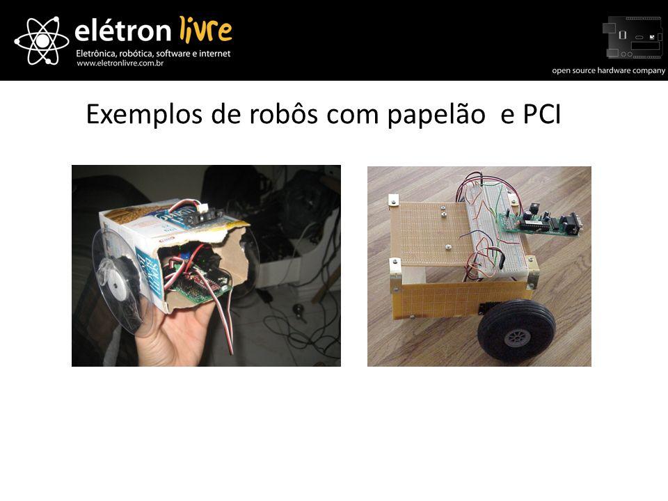 Exemplos de robôs com papelão e PCI