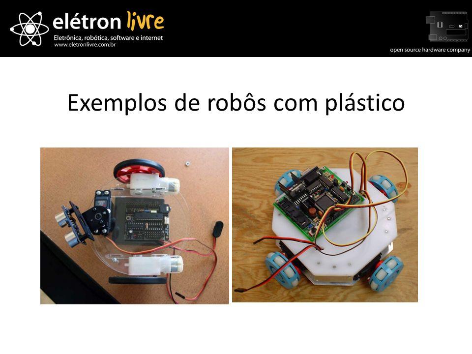 Exemplos de robôs com plástico