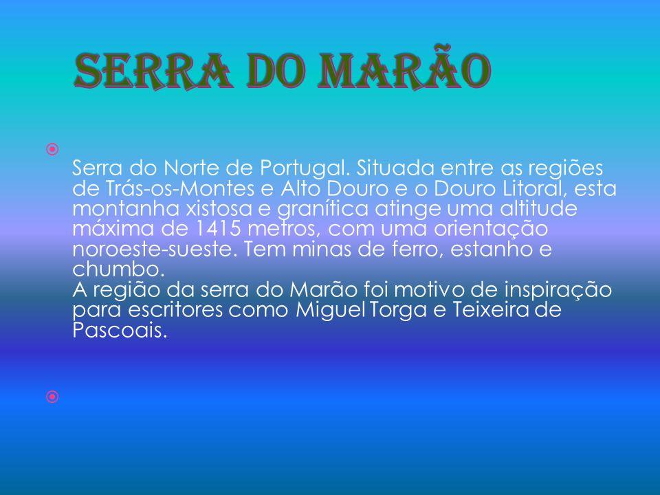 Serra do Algarve, constituída por uma intrusão granítica, com a altitude máxima de 902 metros, em Fóia, e com orientação aproximada este/oeste.