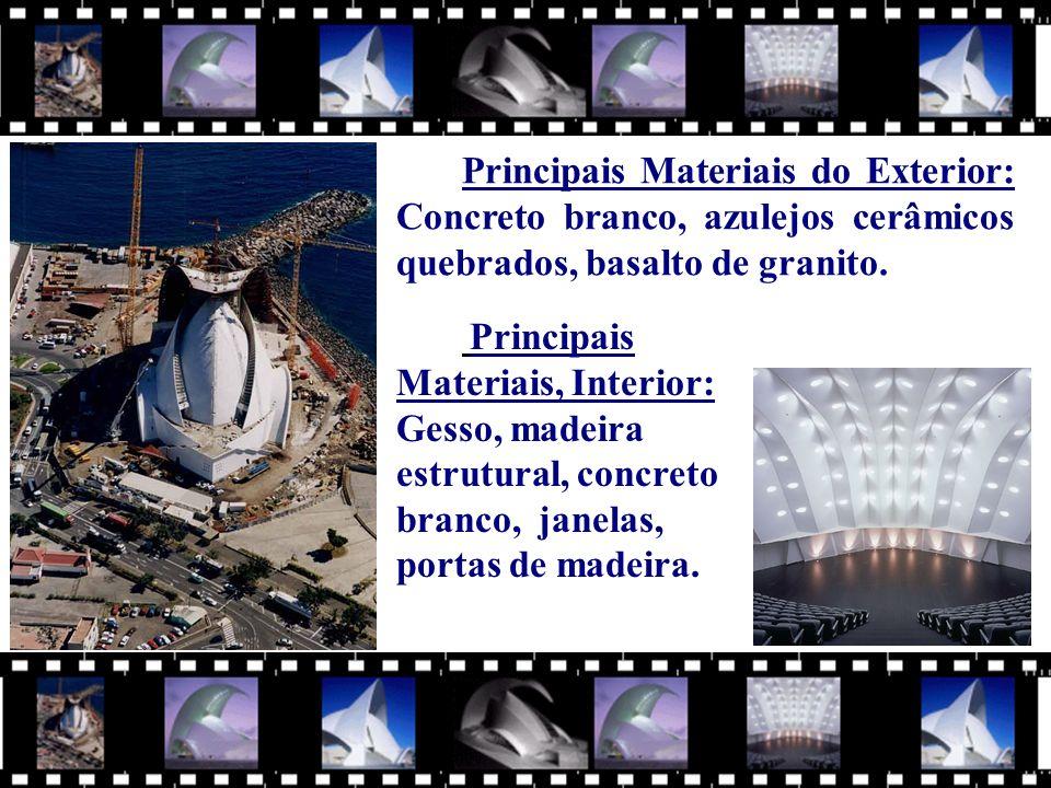 Principais Materiais, Interior: Gesso, madeira estrutural, concreto branco, janelas, portas de madeira.