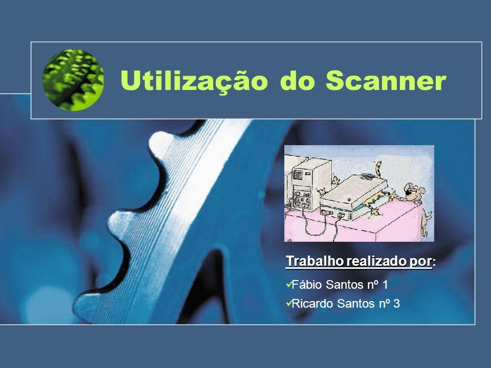 Tipos de scanners (Cont.) Scanner com alimentador de papel – Scanner com alimentador de papel – scanner alimentado a folhas, parecido com o scanner de mesa, excepto que neste o documento move-se enquanto a cabeça de digitalização permanece imóvel.