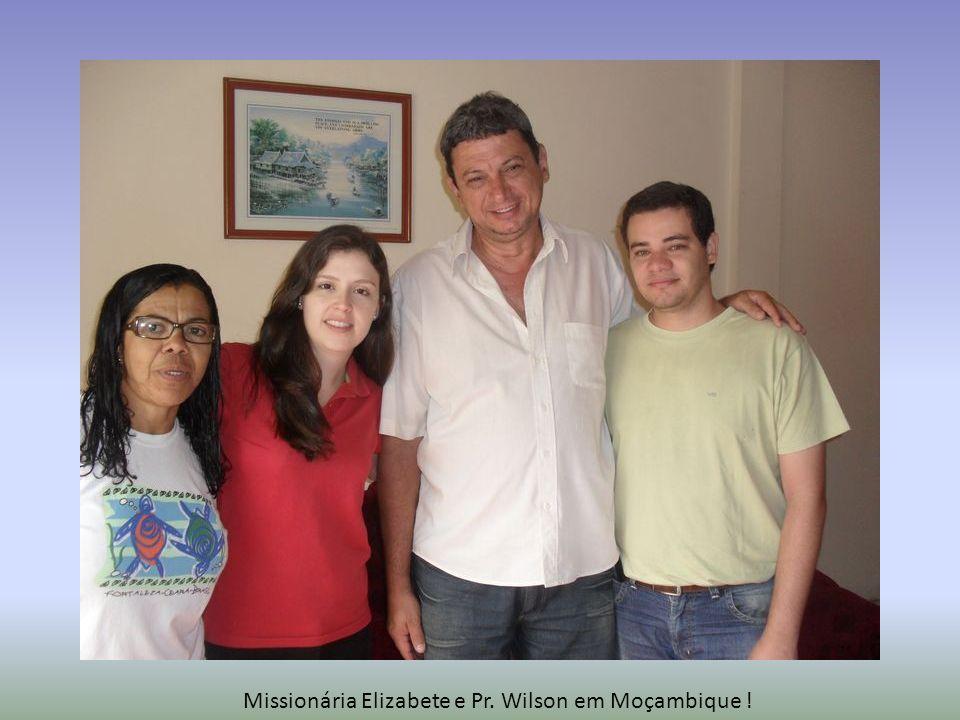 Família do João Bata (dirigente da Igreja), Elizabete e Gisele.