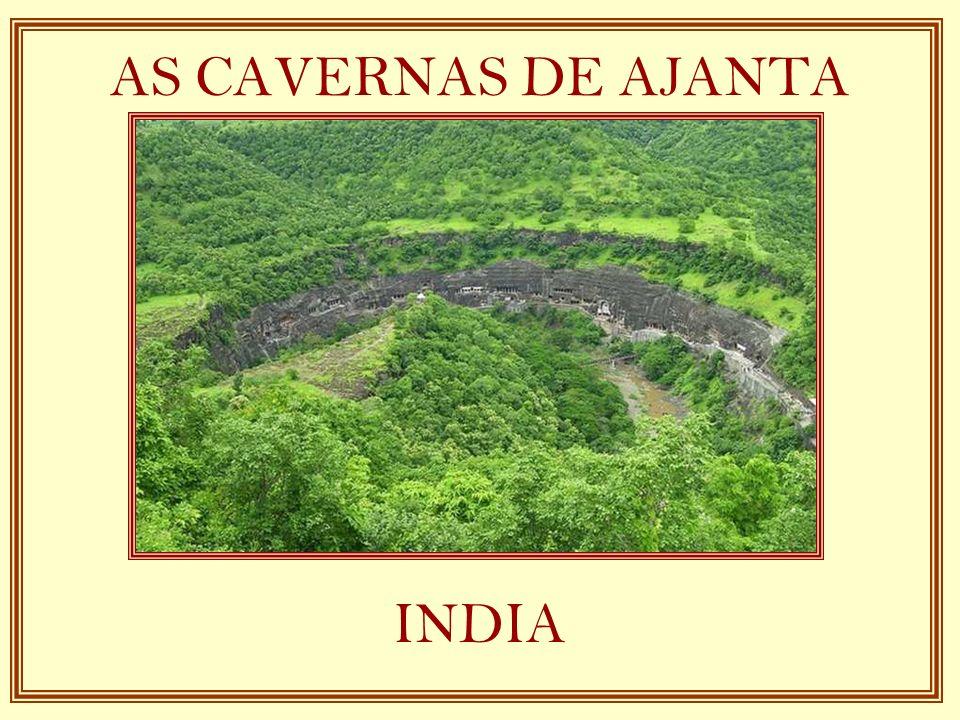 Placa na entrada das cavernas