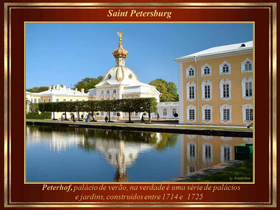 Saint Petersburg Cathedral of Our Lady of Kazan (1810-1811), a catedral principal da metrópole de St. Petersburg