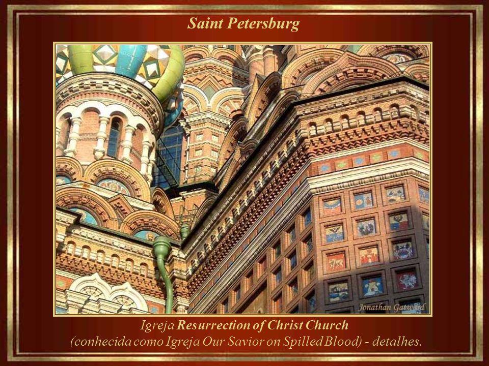 Saint Petersburg Igreja Resurrection of Christ (conhecida como a Igreja de Our Savior on Spilled Blood) foi construída entre 1883 e 1907