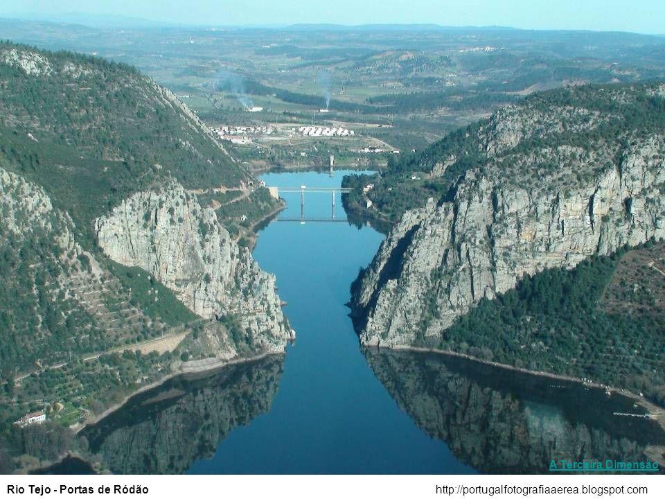 http://portugalfotografiaaerea.blogspot.comEstuário do Sado – Setúbal e Troia A Terceira Dimensão