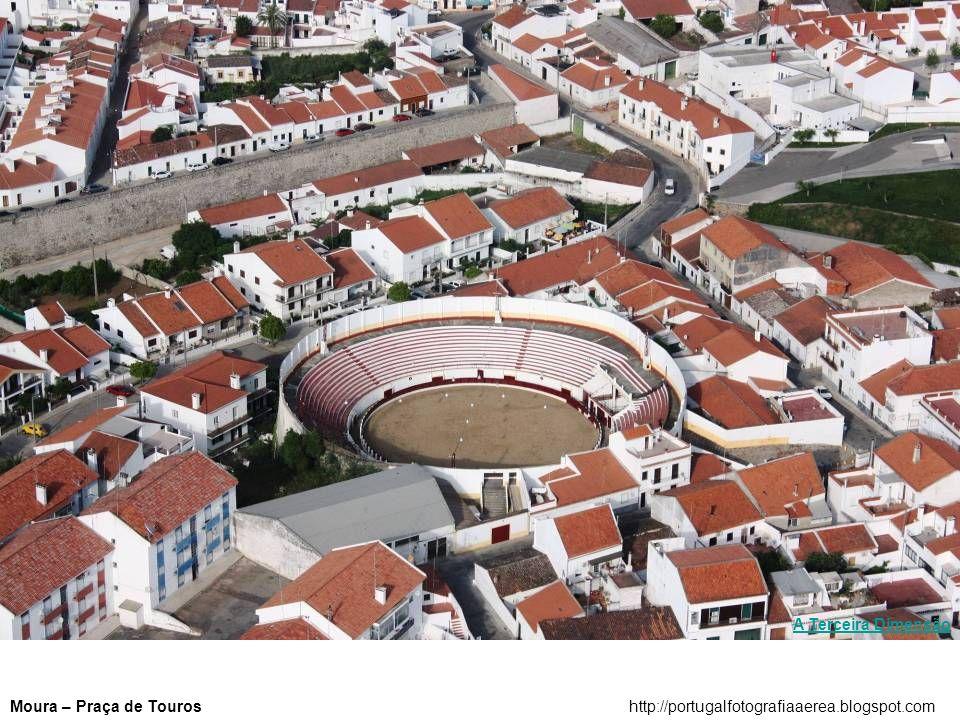 Convento de Mafrahttp://portugalfotografiaaerea.blogspot.com A Terceira Dimensão
