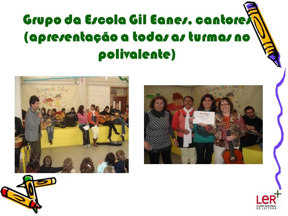 Grupo da Escola Gil Eanes, cantores (apresentação a todas as turmas no polivalente)
