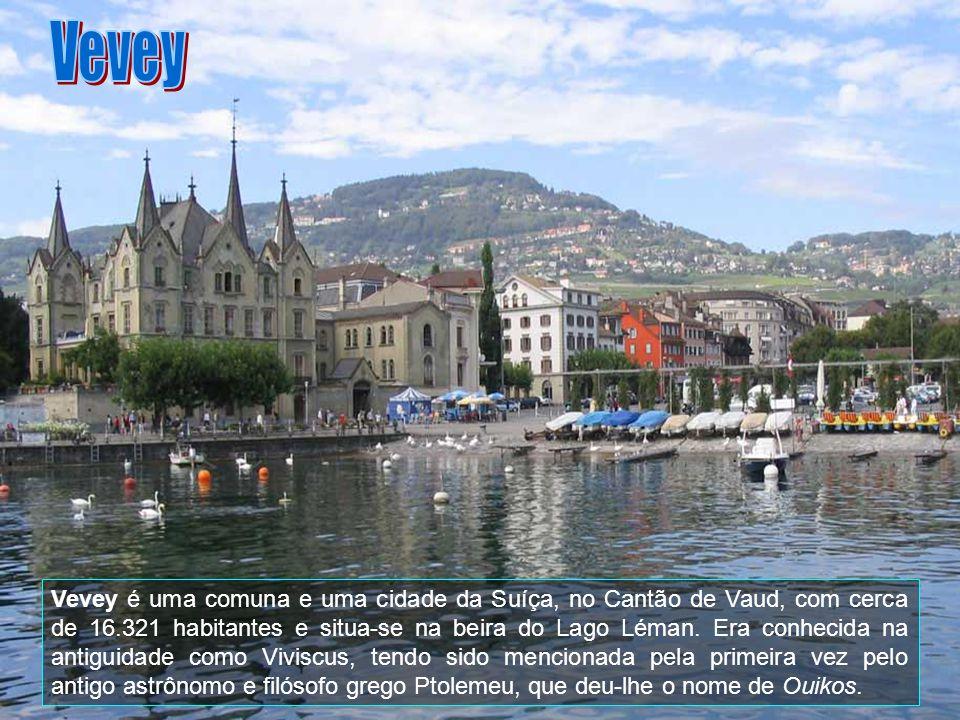 Vevey é uma comuna e uma cidade da Suíça, no Cantão de Vaud, com cerca de 16.321 habitantes e situa-se na beira do Lago Léman.