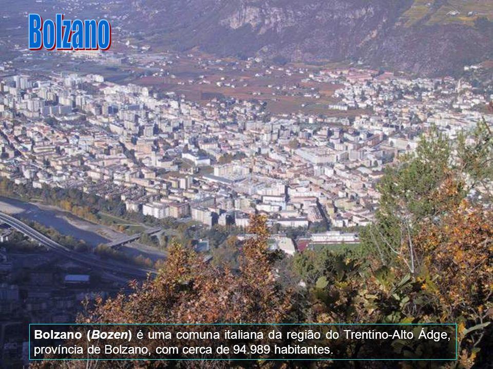 No início, Trento foi uma cidade céltica, mais tarde conquistada pelos romanos e tornou-se famosa pelo Concílio de Trento (1545-1563) que deu origem à