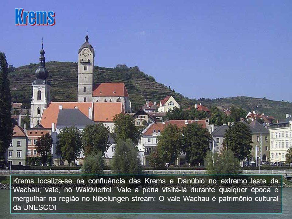 Krems é uma cidade de 23.932 habitantes, na Áustria, no estado federal de Baixa Áustria. É a quinta maior cidade e está a aproximadamente 70 km a oest