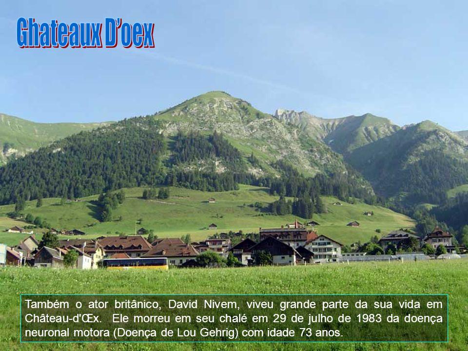 Hoje, Grindelwald tem, também, uma atividade popular verão-resort com muitos quilômetros de trilhas e caminhadas através dos Alpes.