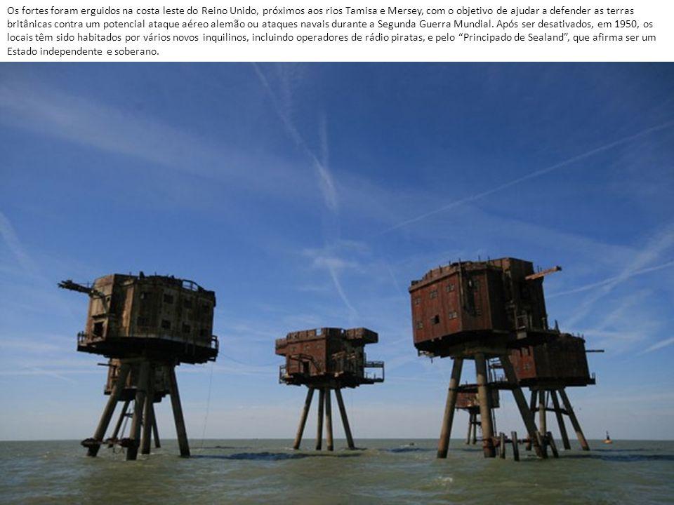 Os fortes foram erguidos na costa leste do Reino Unido, próximos aos rios Tamisa e Mersey, com o objetivo de ajudar a defender as terras britânicas contra um potencial ataque aéreo alemão ou ataques navais durante a Segunda Guerra Mundial.