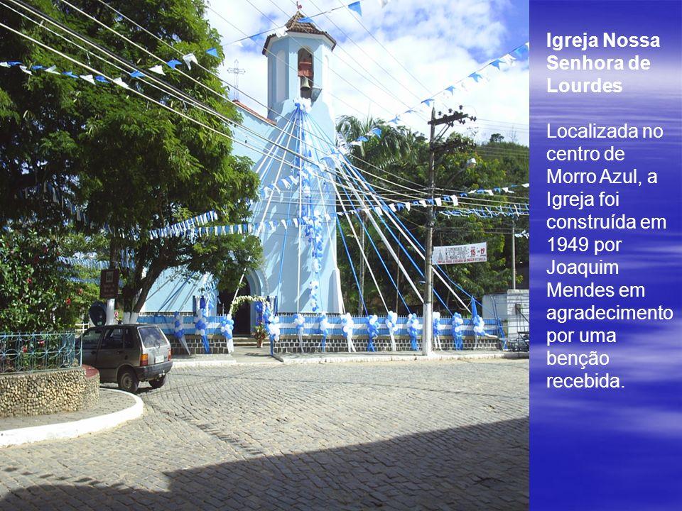 Igreja Nossa Senhora de Lourdes Localizada no centro de Morro Azul, a Igreja foi construída em 1949 por Joaquim Mendes em agradecimento por uma benção recebida.