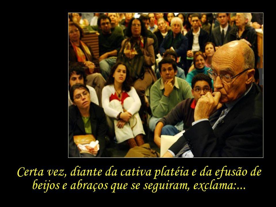 A calorosa acolhida dos intelectuais brasileiros também se reflete na relação de Saramago com o seu público leitor no país.
