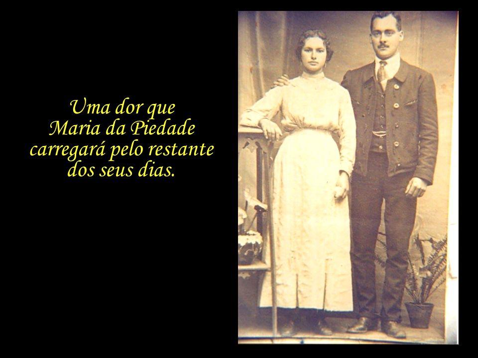 No mês de dezembro do mesmo ano em que se mudam para Lisboa, o filho mais velho do casal, Francisco, com apenas quatro anos de idade, morre de broncop