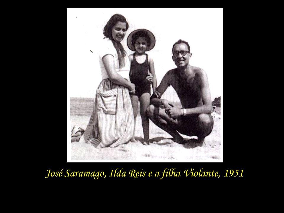Em 1944, aos 22 anos de idade, casa-se com a pintora Ilda Reis, sendo que três anos mais tarde, em 1947, nasce a filha, que recebe o nome Violante. Ne
