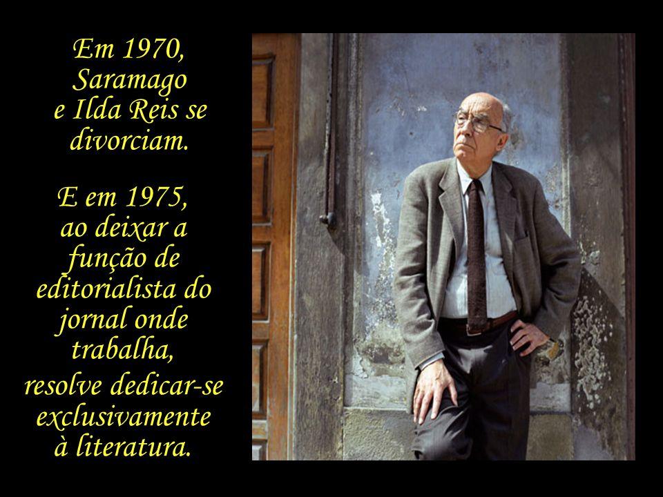 Saramago passa a ocupar diversas funções, como coordenador do suplemento de cultura do jornal Diário de Lisboa, e diretor-adjunto do Diário de Notícia