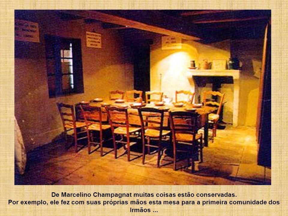 De Marcelino Champagnat muitas coisas estão conservadas. Por exemplo, ele fez com suas próprias mãos esta mesa para a primeira comunidade dos Irmãos..