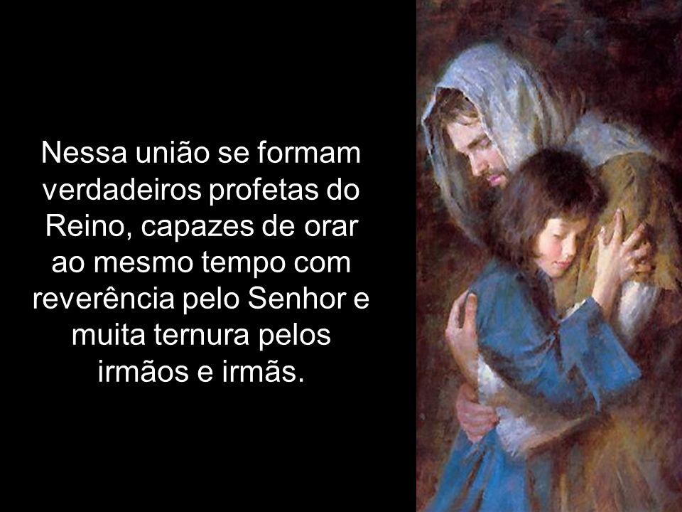 d)Desejar que a Paz de Jesus permaneça nesta casa e com todos os membros da família.