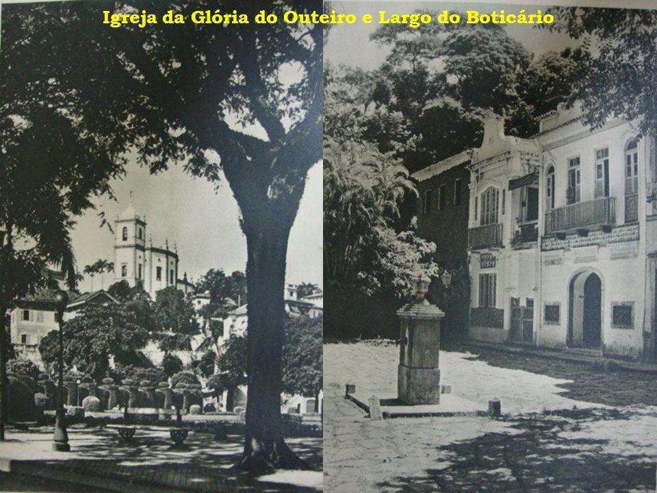 Igreja da Glória do Outeiro e Largo do Boticário