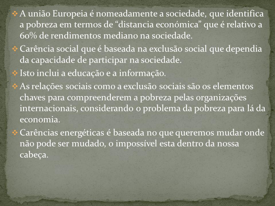 Associados às dimensões em que ela se exprime(há factores ambientais, culturais, económicos, políticos e sociais na origem das diversas formas de exclusão social); Económicos, ligados ao funcionamento do sistema económico, às relações económicas internacionais, ao sistema financeiro, etc.