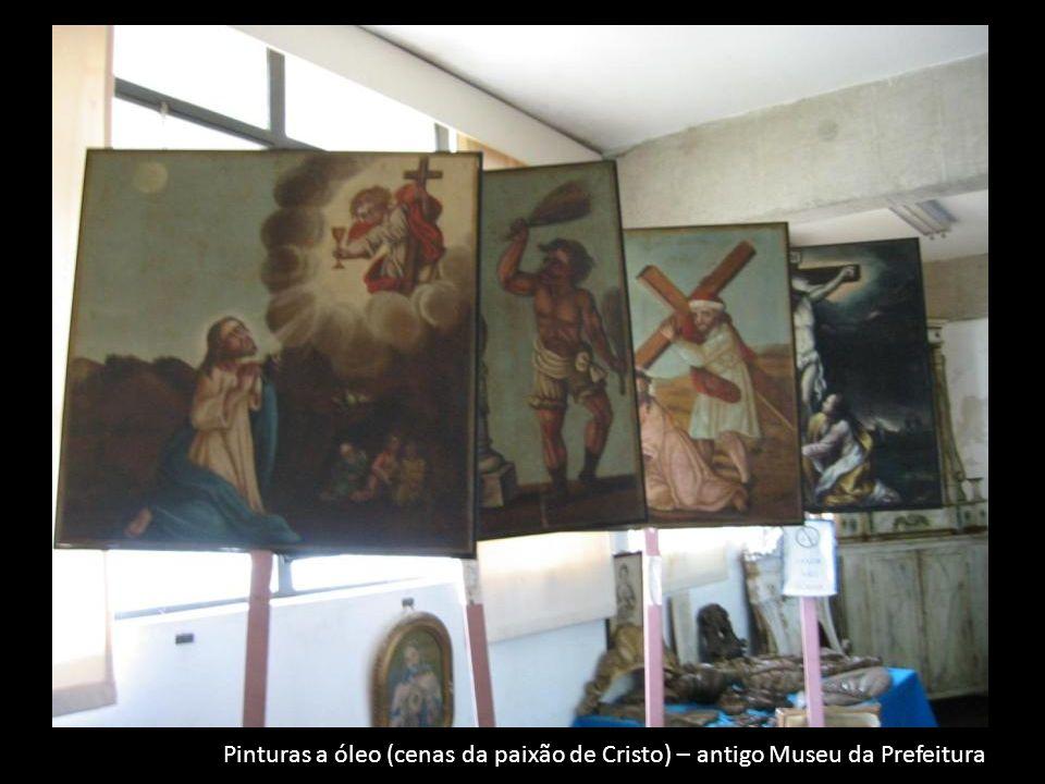 Pinturas a óleo (cenas da paixão de Cristo) – antigo Museu da Prefeitura