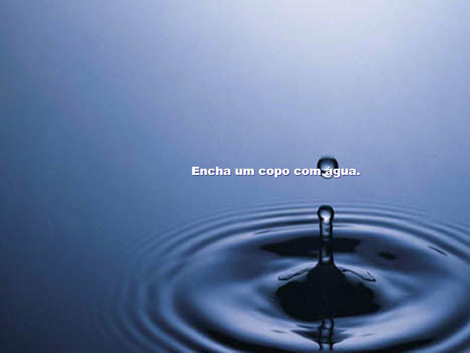 EXEMPLO DE EXERCÍCIO COM O CHAKRA DAS MÃOS Energização da água