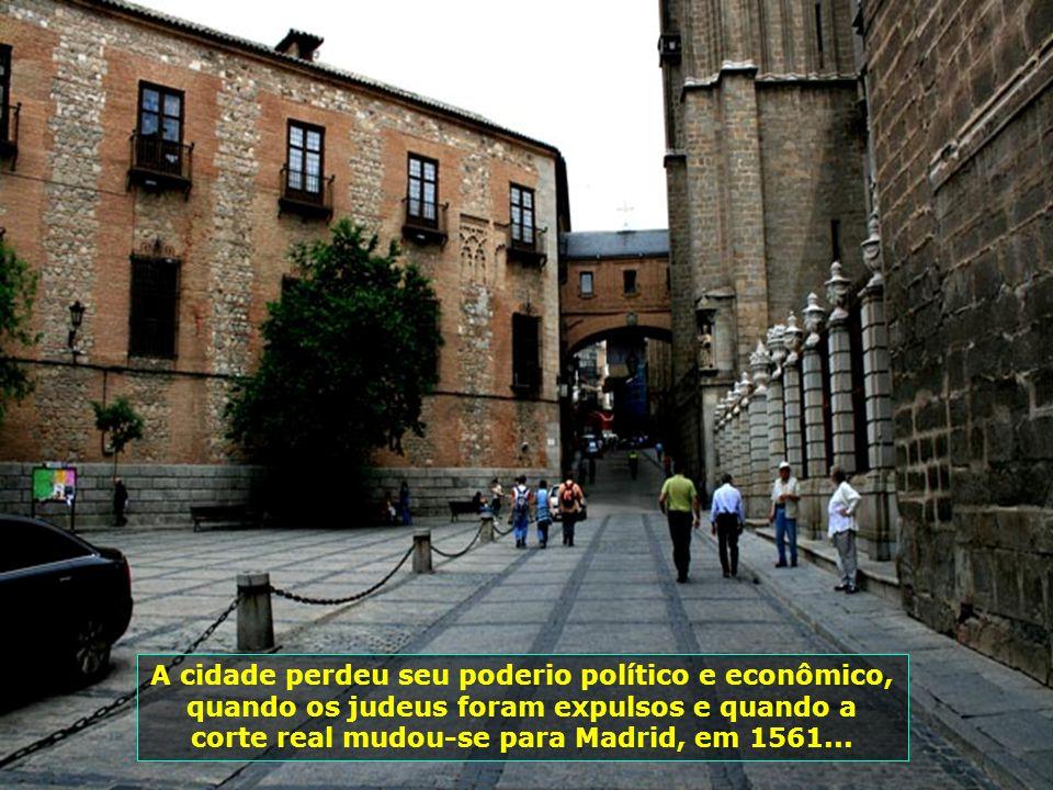 Toledo foi a capital da Espanha visigótica, desde o reinado de Leovigildo, até a conquista moura da península Ibérica no século VIII. Sob o Califado d