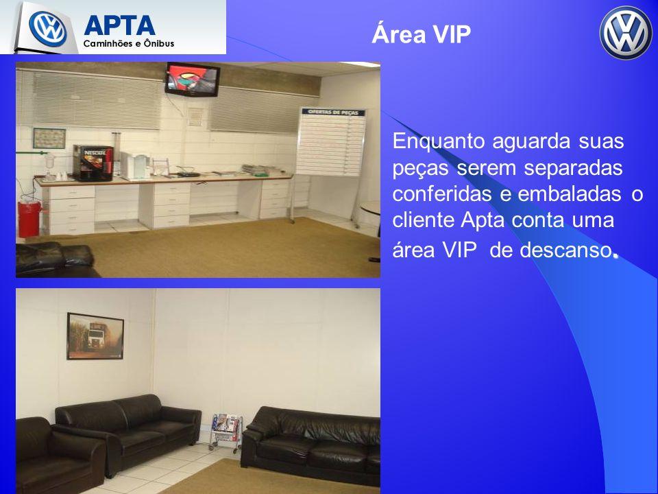 Área VIP. Enquanto aguarda suas peças serem separadas conferidas e embaladas o cliente Apta conta uma área VIP de descanso.