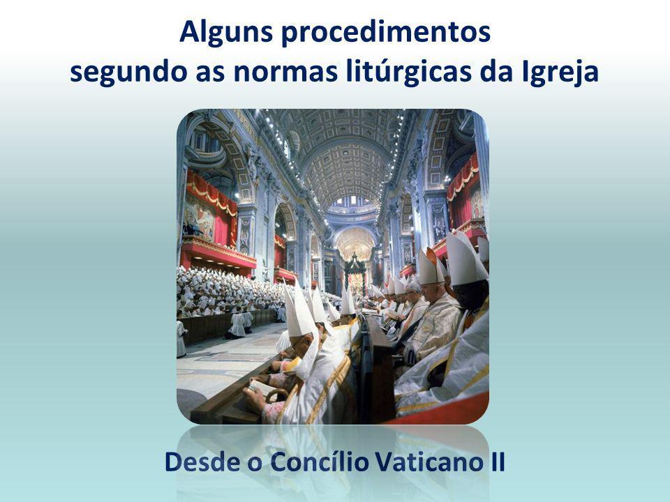 Outro momento da celebração, que necessita de menção, é a distribuição e a recepção da sagrada comunhão. Outro momento da celebração, que necessita de