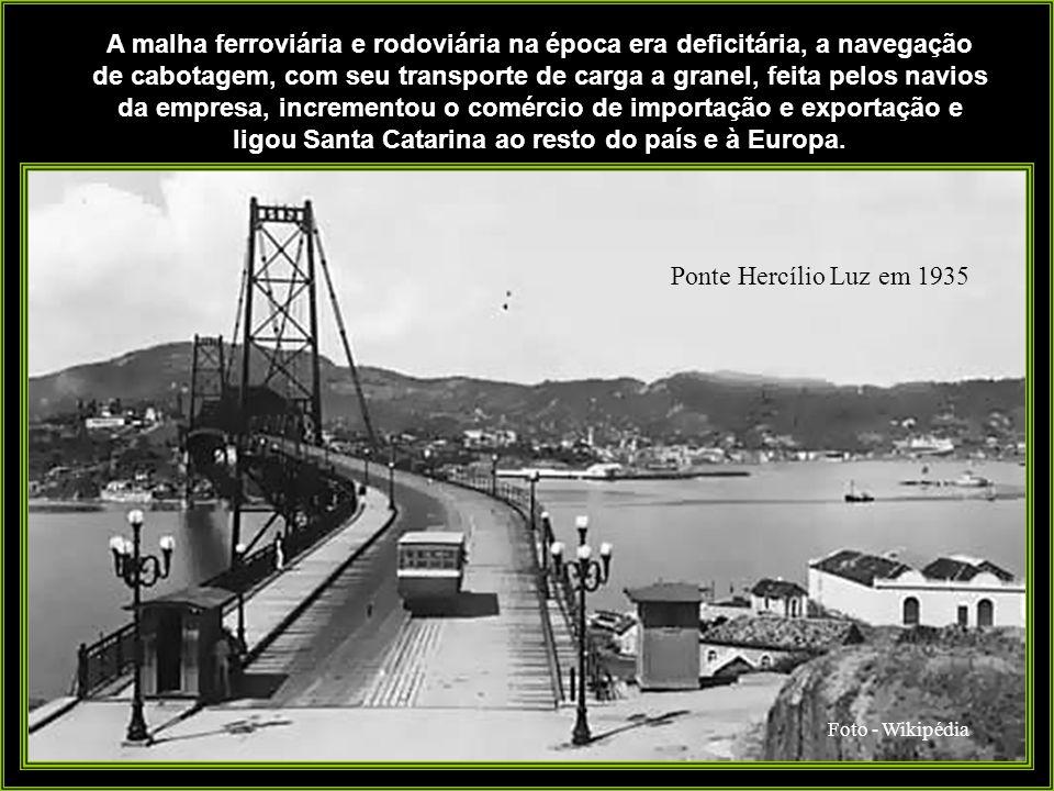 Foto: Instituto Carl Hoepcke Os vapores da empresa, no entanto, estenderam a rota para o transporte de gêneros alimentícios até Rio de Janeiro e Bacia