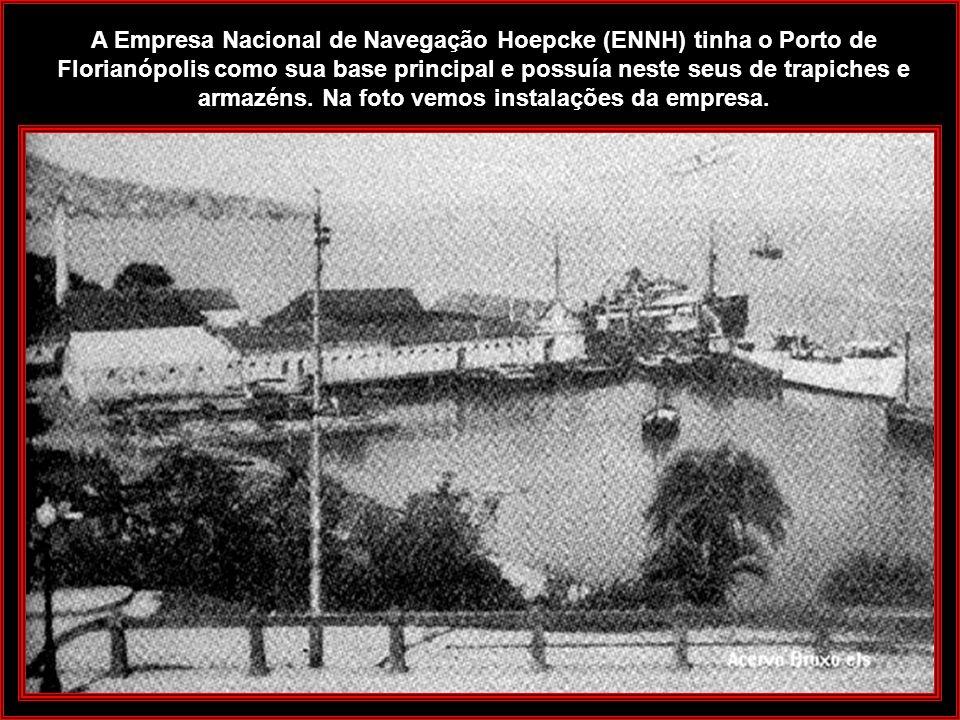 Rita Maria - Aterro do começo do século A Praia de Rita Maria com a criação da Empresa Carl Hoepcke S/A, sofreu profundas transformações. Ocorreram at