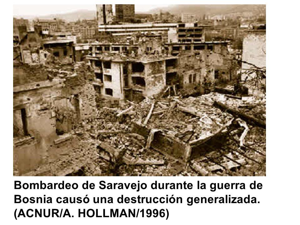 Bombardeo de Saravejo durante la guerra de Bosnia causó una destrucción generalizada.