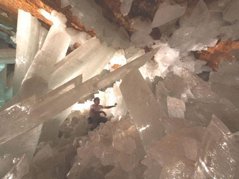 Giant Crystal Caves – México A mina de Naica no México é conhecida pelos seus cristais extraordinários. Em grutas gigantes os exploradores encontraram
