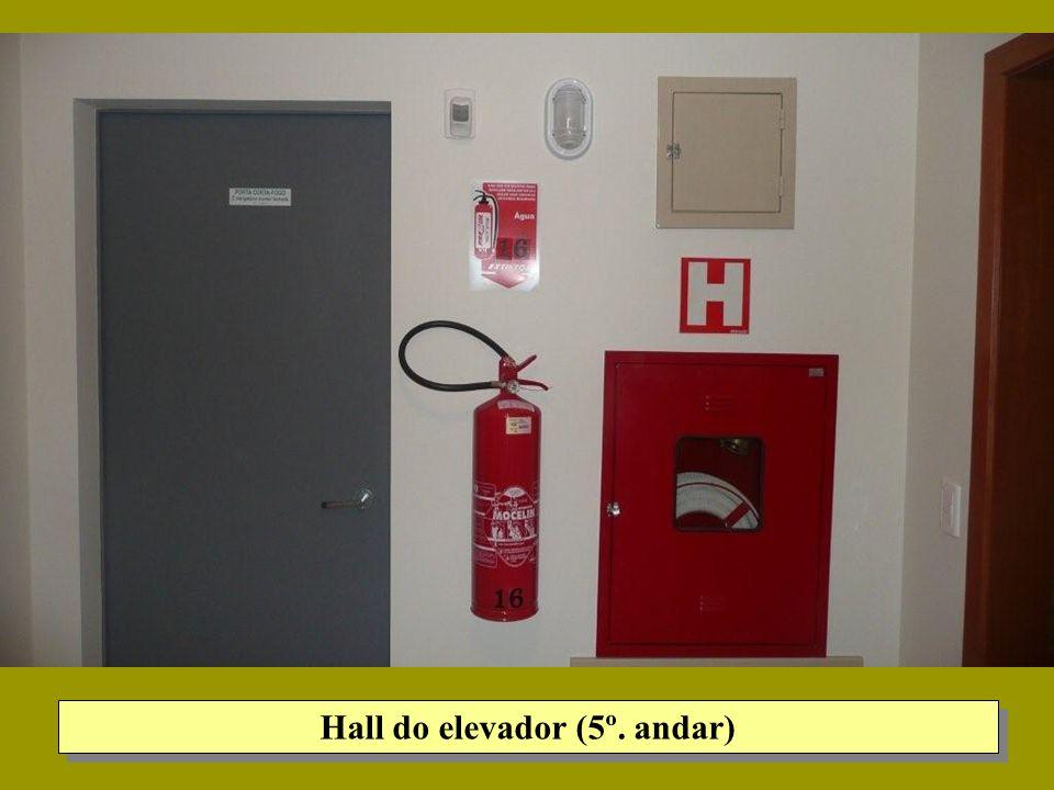 Hall do elevador (5º. andar)
