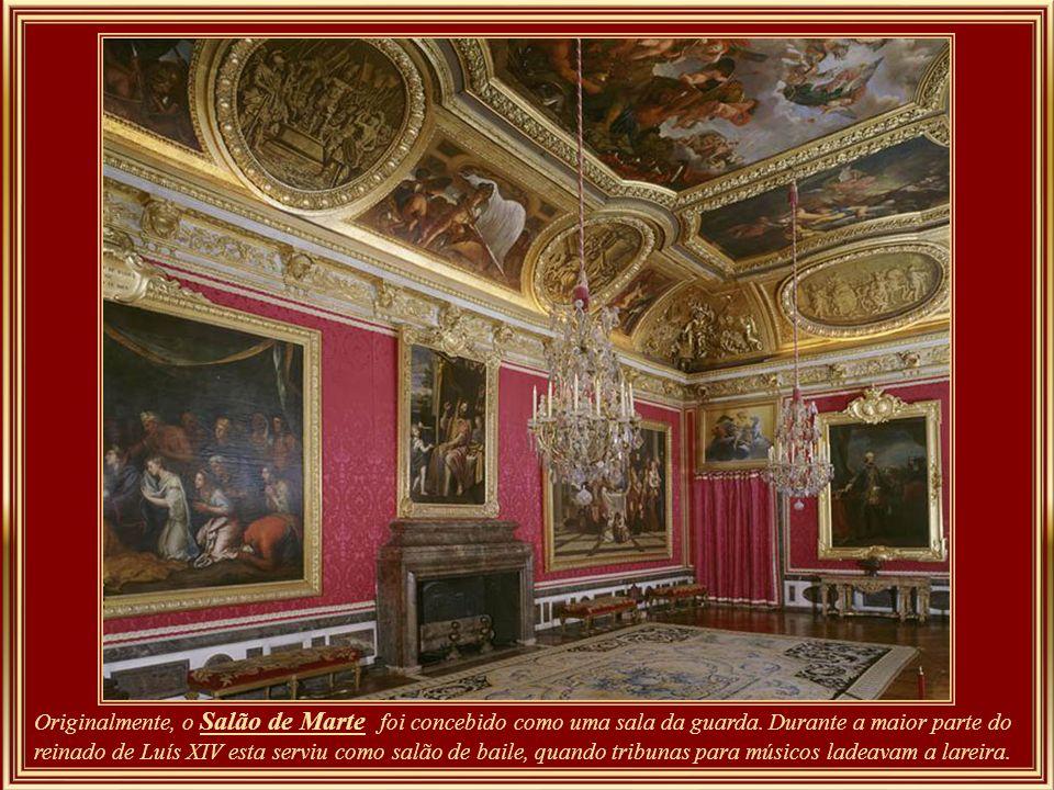 Salão de Diana – com o busto de Louis XIV – Bernini,1665 – foi designado o primeiro quarto do Grande Apartamento do Rei. Em algumas noites do reinado