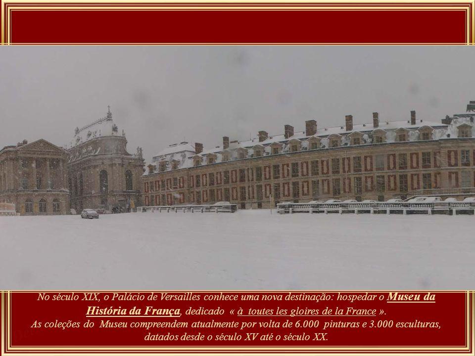 Palácio de Versailles – Construído pelo rei Luís XIV, o Rei Sol, desde 1682 e por mais de um século foi modelo de residência real na Europa, e muitas