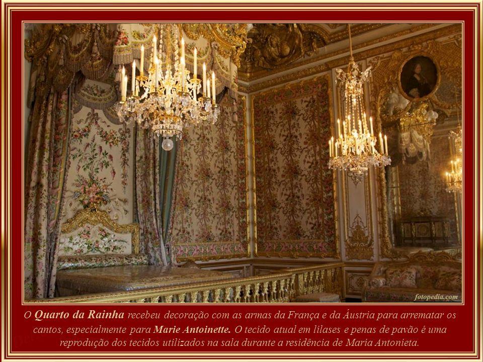 Em janeiro de 1764, a família Mozart foi convidada à mesa do rei. No final da refeição, Louis XV pediu para ouvir Mozart tocando o órgão. Um tempo foi