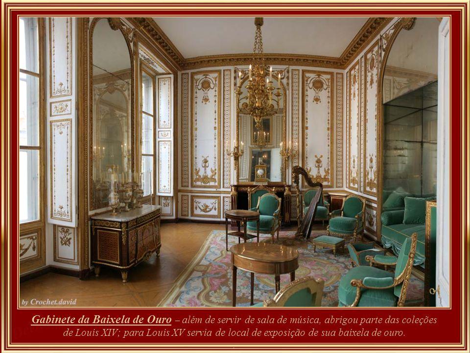 Cabinet de la Méridienne - um boudoir octogonal pequeno, encantador e elegante, talvez a parte mais agradável do apartamento privado de Maria Antoniet