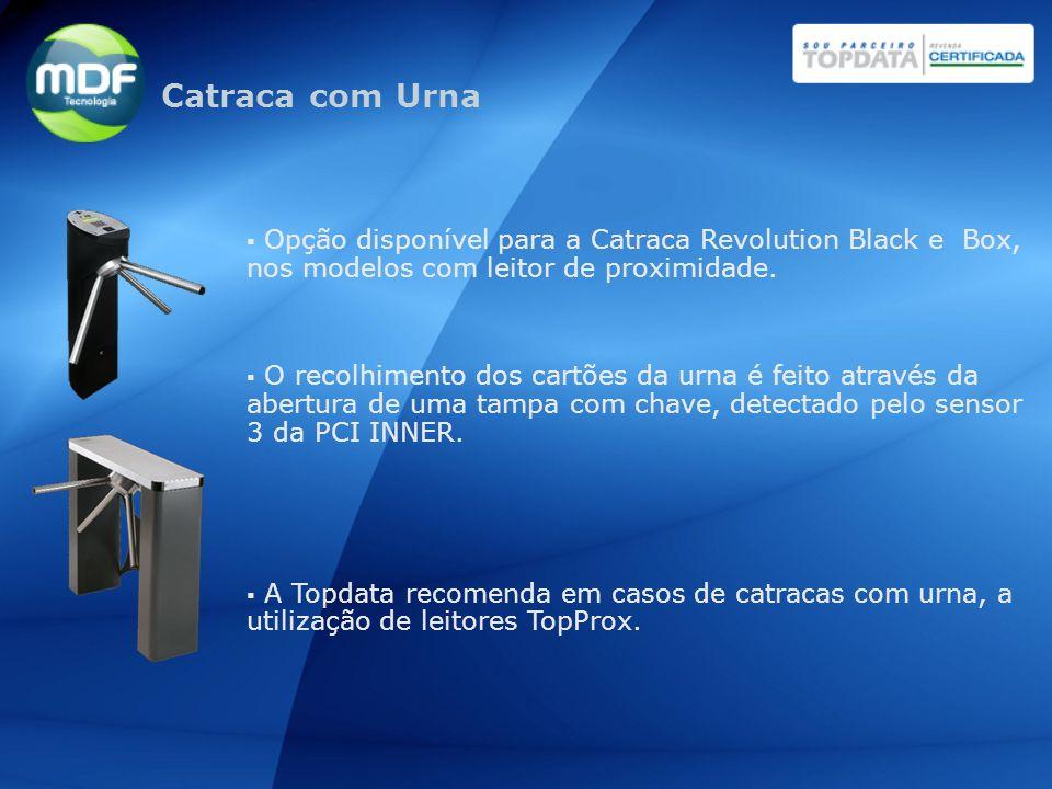 Opção disponível para a Catraca Revolution Black e Box, nos modelos com leitor de proximidade. O recolhimento dos cartões da urna é feito através da a