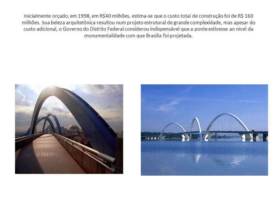 O arquiteto Alexandre Chan é o autor do partido formal-estrutural, do projeto de arquitetura e de iluminação de realce da Ponte JK.