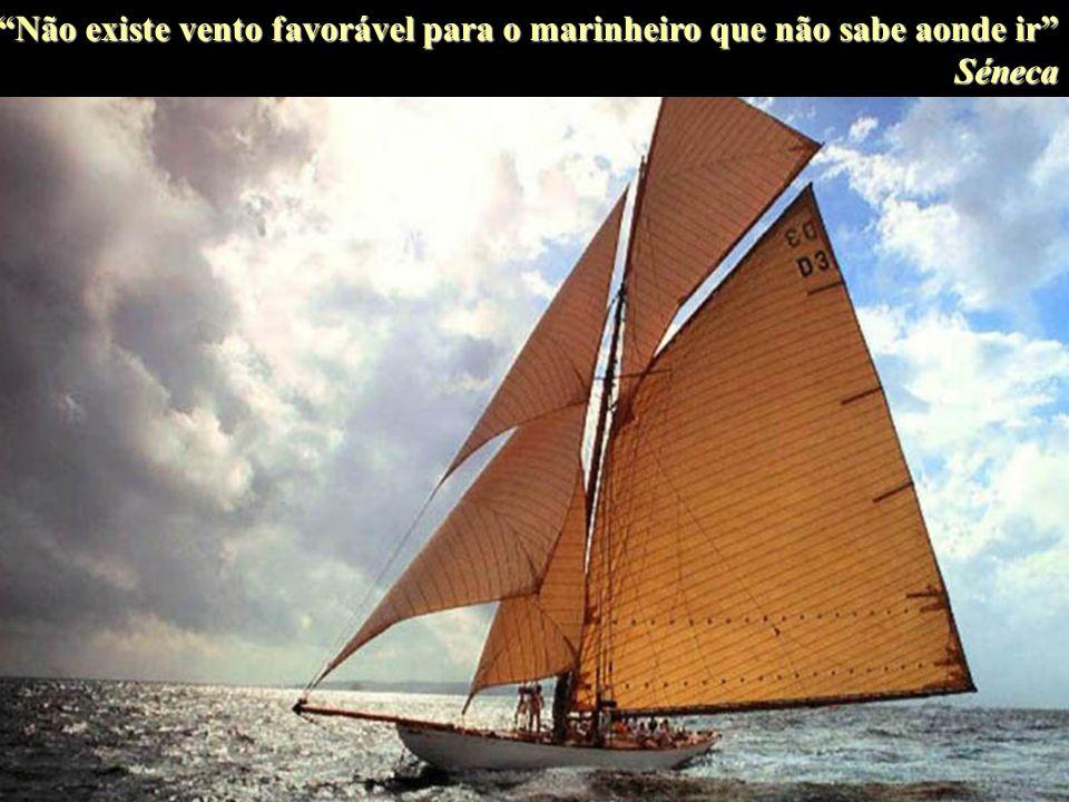 Sê como as ondas do mar que, mesmo desfazendo-se contra as rochas, encontram forças para recomeçar. S. Bambaren
