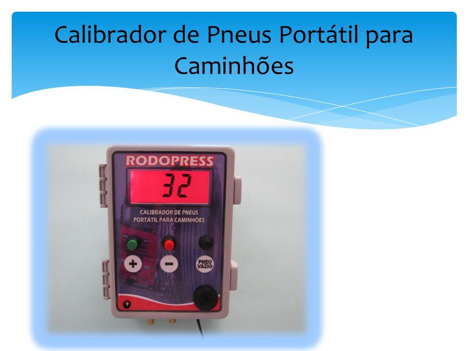 O Calibrador de Pneu Portátil para Caminhões utiliza a pressão gerada pelo compressor do caminhão para calibrar os pneus.