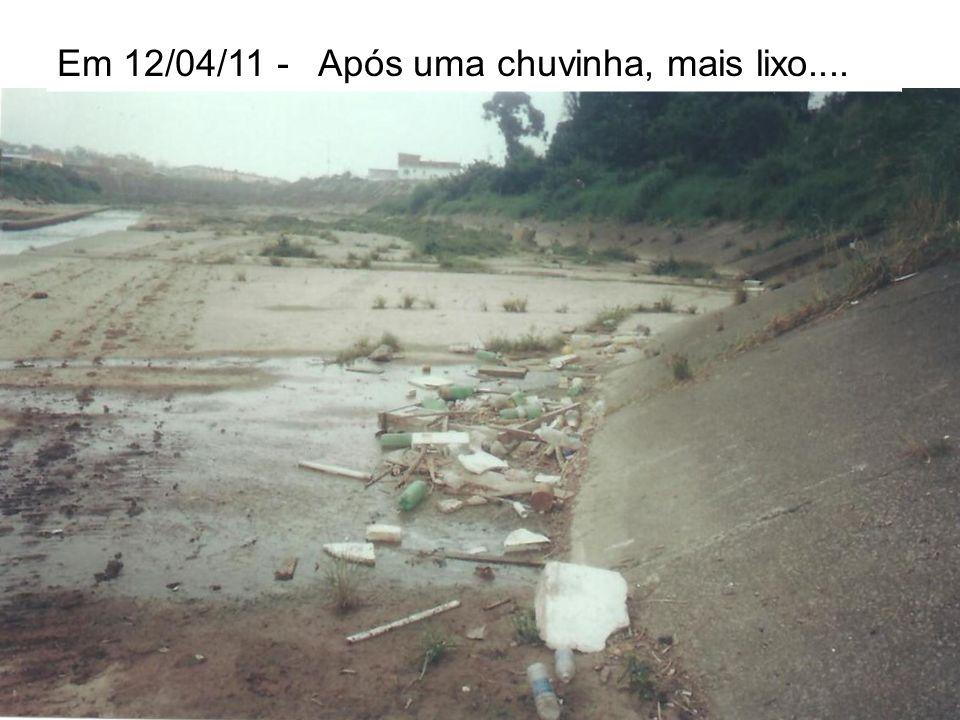 Em 12/04/11 – Espumas são rotinas…!!! Espumas são rotinas e o odor também