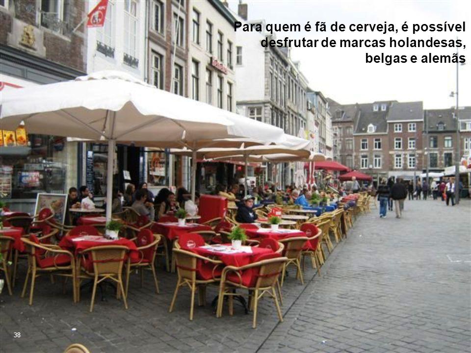Para quem é fã de cerveja, é possível desfrutar de marcas holandesas, belgas e alemãs 38