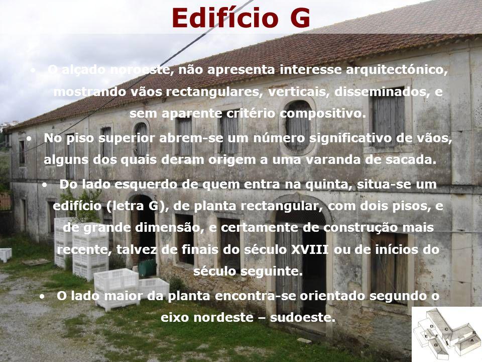 Edifício G O alçado noroeste, não apresenta interesse arquitectónico, mostrando vãos rectangulares, verticais, disseminados, e sem aparente critério compositivo.