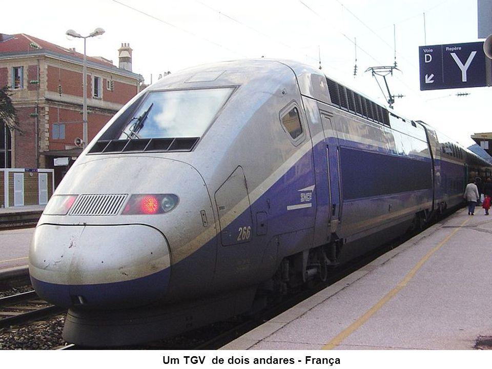 O Acela Express, construído pela Bombardier, associada da Alstom, projetado para operar nos EUA, usa a tecnologia motriz do TGV (apesar de o resto do