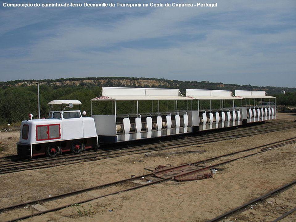 Composição do caminho-de-ferro Decauville da Transpraia na Costa da Caparica - Portugal
