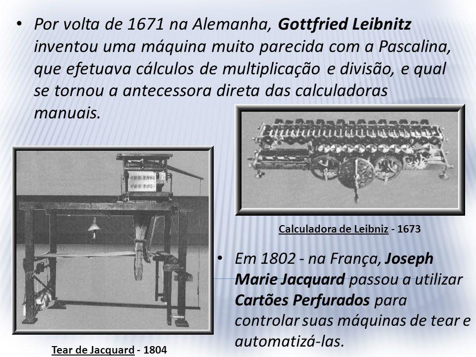 No início início do século XIX, mais especificamente em 1822, foi desenvolvido por um cientista inglês chamado Charles Babbage uma máquina diferencial que permitia cálculos como funções trigonométricas e logaritmas, utilizando os cartões de Jacquard.